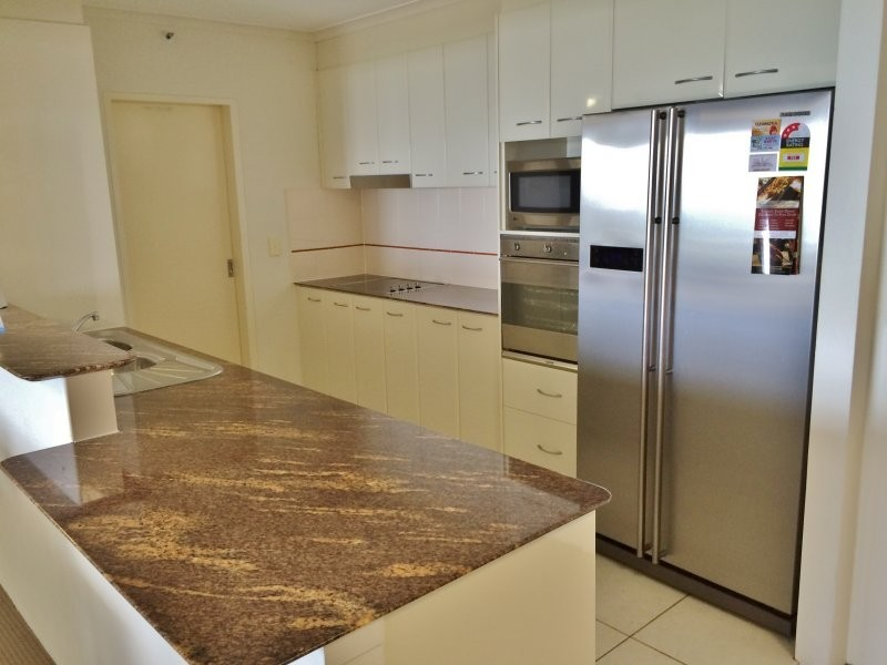 44/1 'Oscar on Main' Hughes Avenue, Main Beach QLD 4217