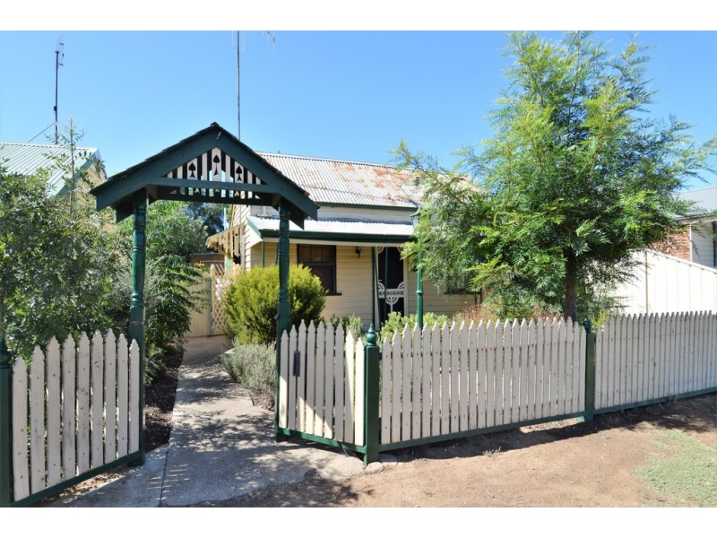31 and 33 Echuca Street, Moama NSW 2731