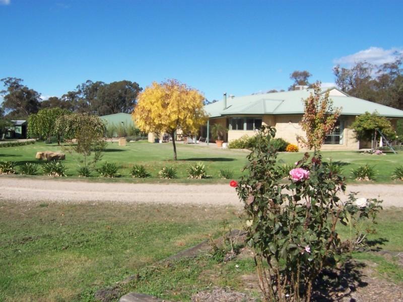 26 Dundas Road, Wangaratta South VIC 3678