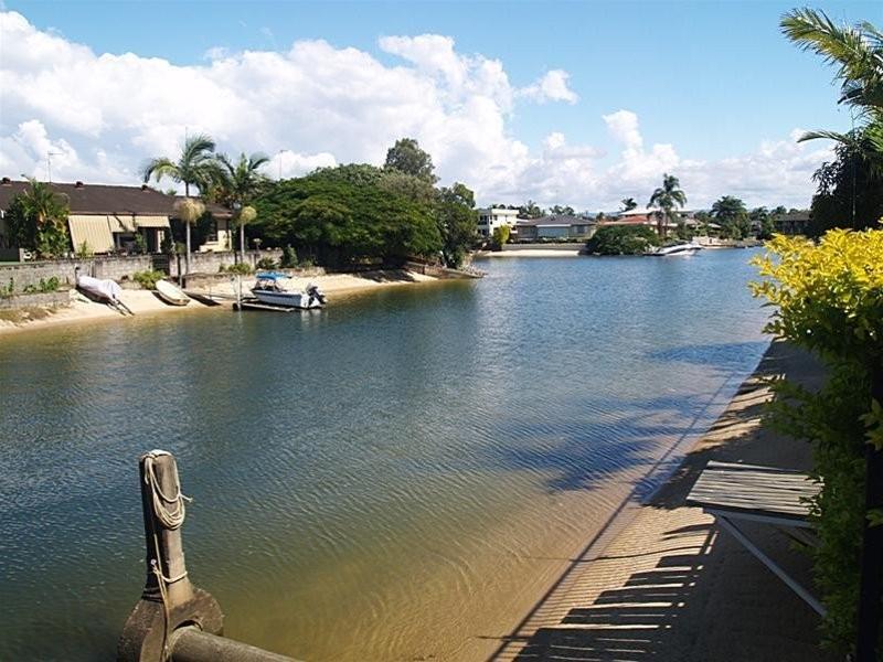 10 Cristobel Court, Broadbeach Waters QLD 4218