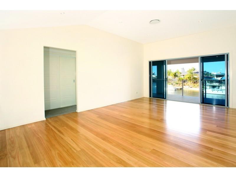 17 Alvarado Court, Broadbeach Waters QLD 4218