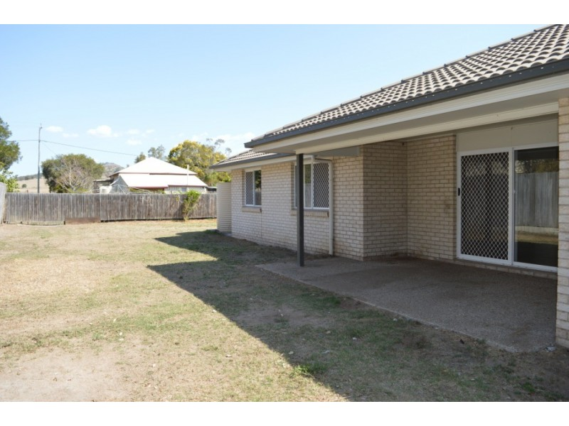 19 Williams Street, Lowood QLD 4311