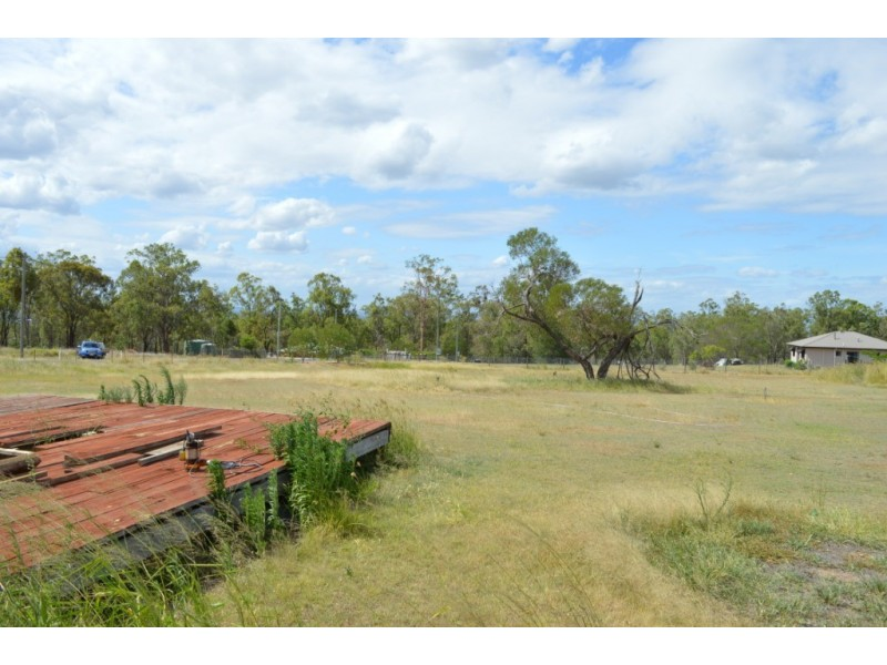 8 Magpie Ave, Regency Downs QLD 4341