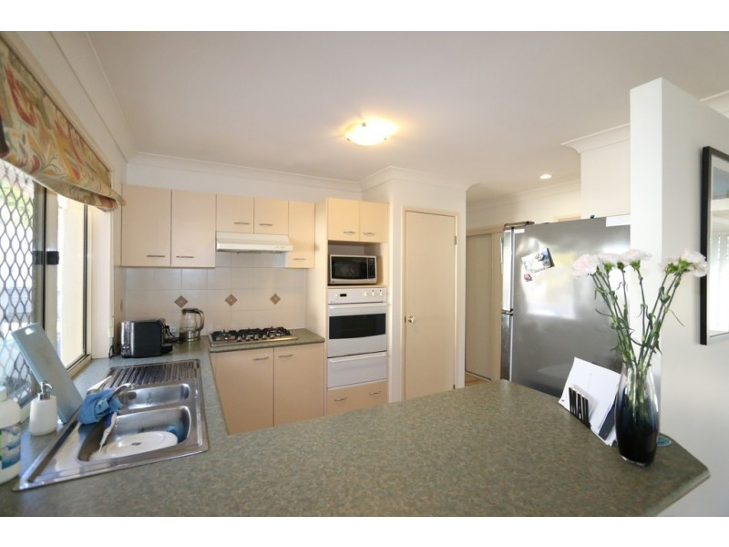 36 Campbell Crescent, Bellbowrie QLD 4070