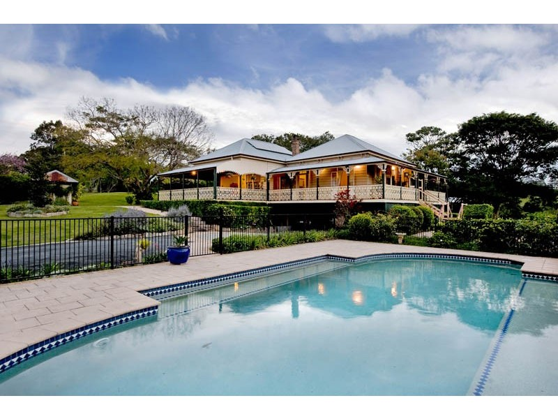 76 Upper Brookfield Road, Brookfield QLD 4069