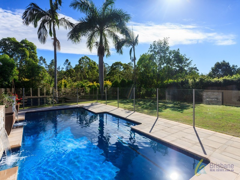 6 Jamieson Place, Brookfield QLD 4069