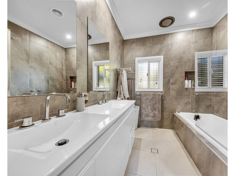 529 McDonald Road, Lavington NSW 2641