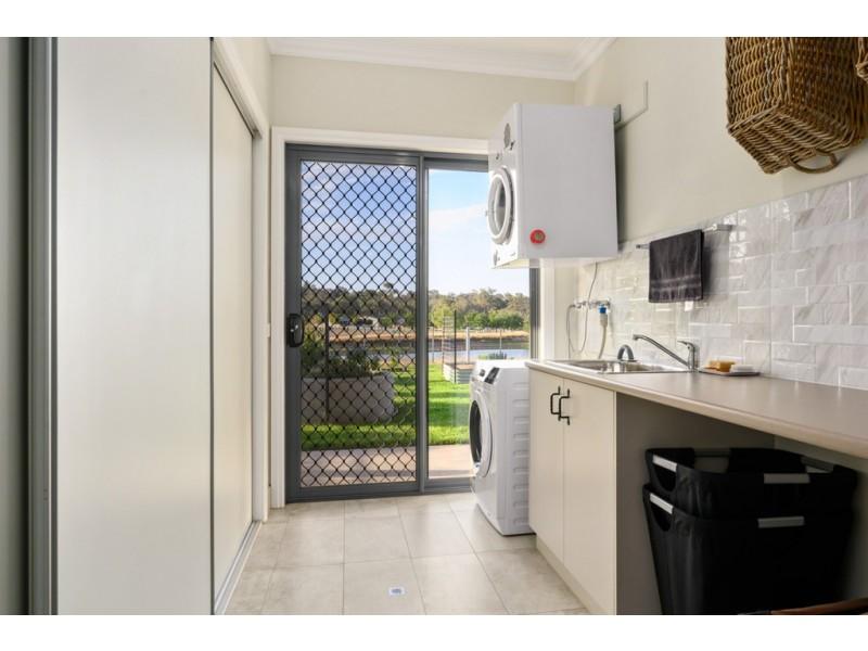 52 Himalaya Drive, Albury NSW 2640