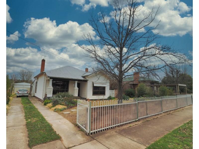 21 Blake Street, Ararat VIC 3377
