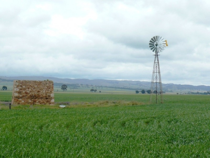 * 299.3ha Brooks 740acs, Jamestown SA 5491