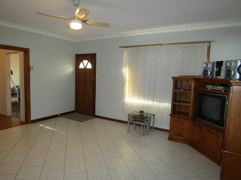 16 West Terrace, Blanchetown SA 5357