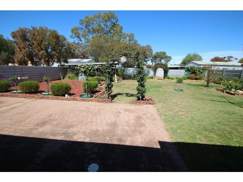 11 Angove Terrace, Monash SA 5342