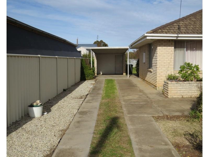 14 MAHONGA STREET, Jerilderie NSW 2716