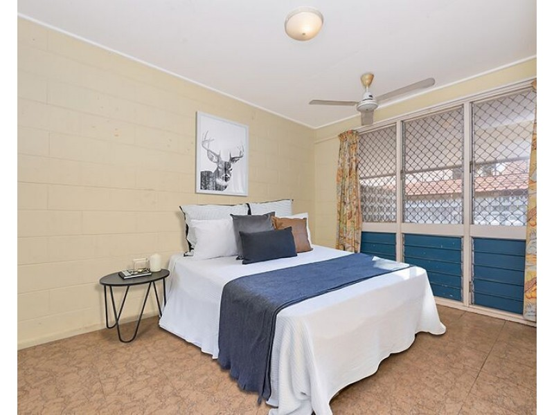 2/138 Eyre Street, North Ward QLD 4810