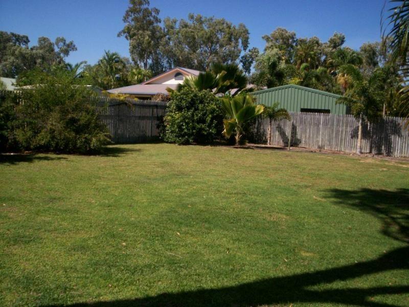 2 Hickory Court, Bushland Beach QLD 4818