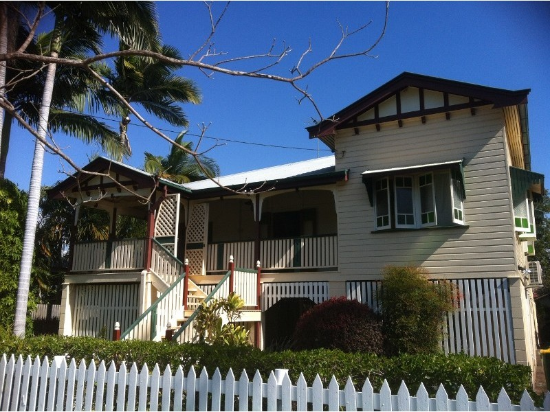 40 Armstrong, Hermit Park QLD 4812