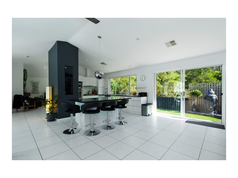 13 Parkwood Place, Peregian Springs QLD 4573