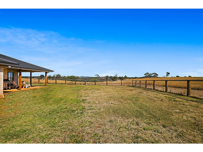 143 Pipeline Road, Meringandan QLD 4352