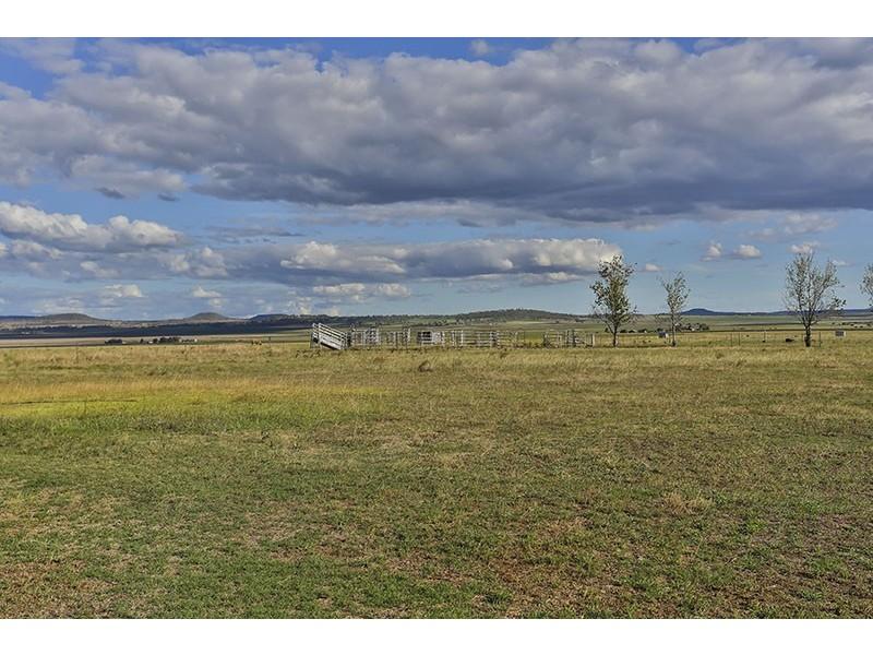 452 Mt Sibley Road, Nobby QLD 4360