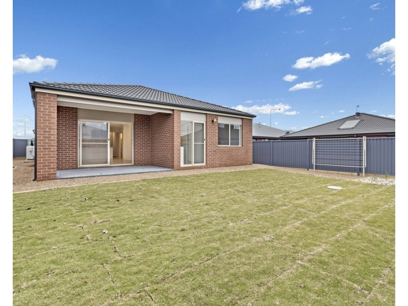 22 Longford Road, Alfredton VIC 3350