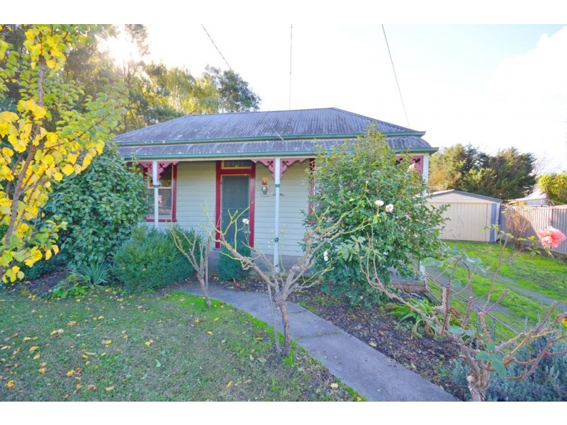 2 Wainwright Street, Golden Point VIC 3350