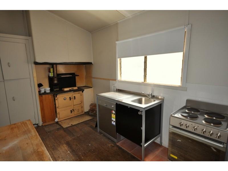 32 Lawrence Street, Beaufort VIC 3373