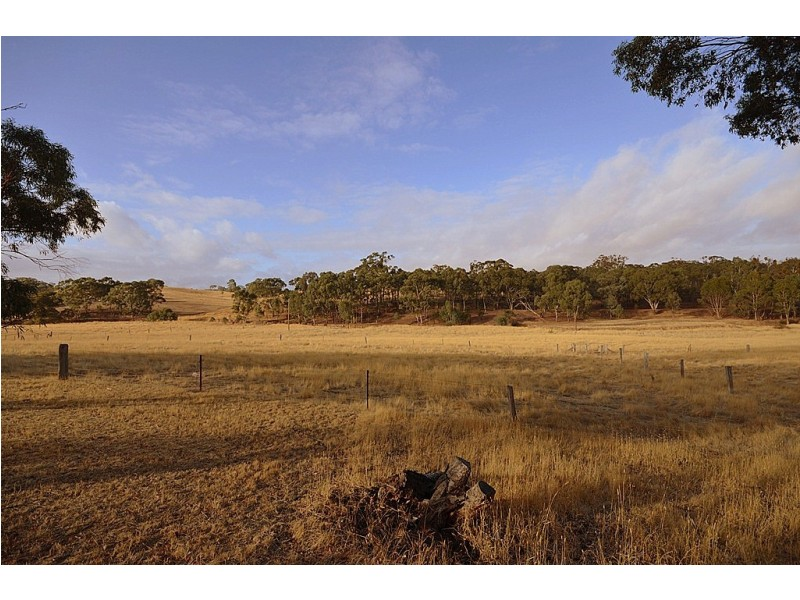 60 The Valley Road, Dunach VIC 3371