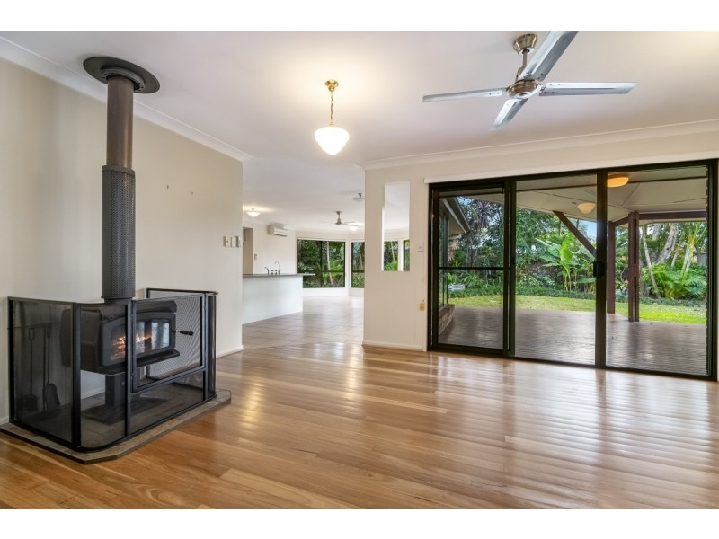 24 Parrot Tree Place, Bangalow NSW 2479