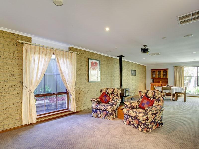 10 Shiraz Court, Aberfoyle Park SA 5159