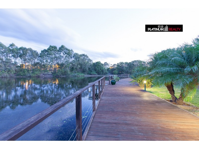 26 Martingale Circuit, Clear Island Waters QLD 4226