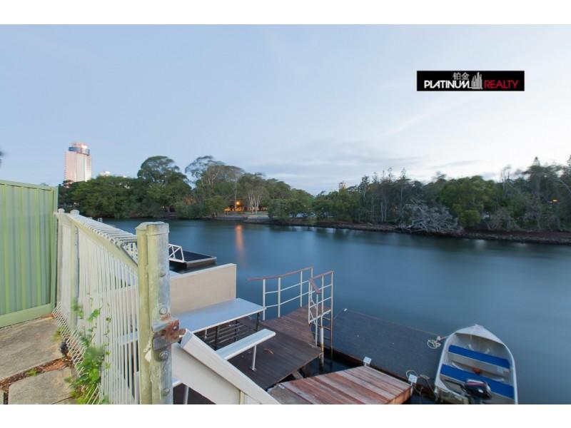 60 Monaco Street, Broadbeach Waters QLD 4218