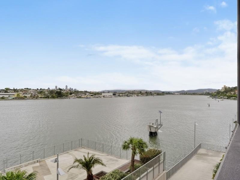 146/35 – 37 Harbour Road, Hamilton QLD 4007