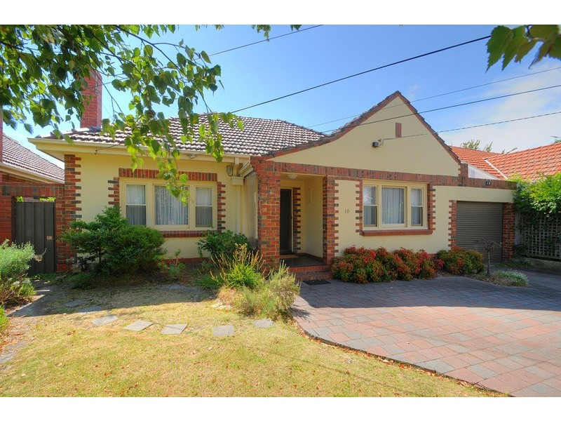 15 Sixth Street, Parkdale VIC 3195