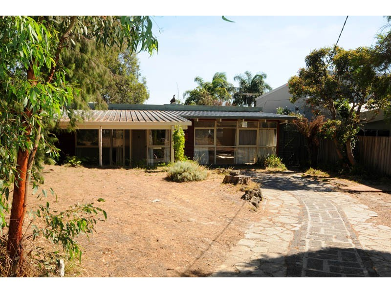 8 Clare Street, Parkdale VIC 3195