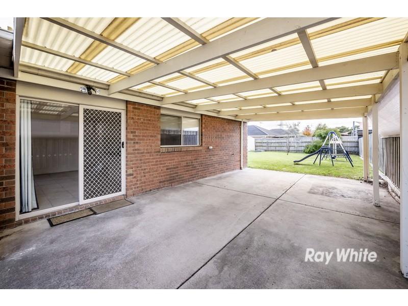 10 Kismet Close, Cranbourne West VIC 3977