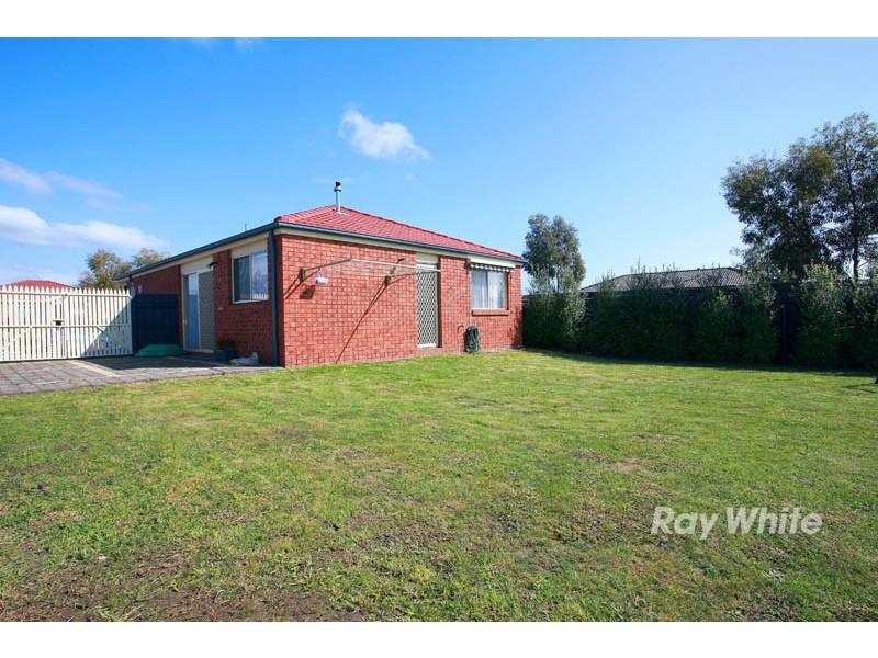 34 Stephellen Way, Cranbourne VIC 3977