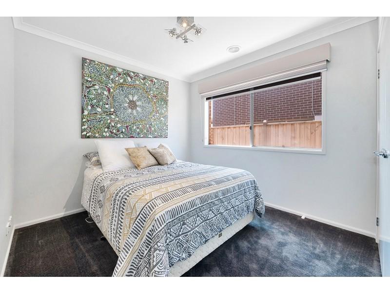22 Bayley Place, Cranbourne West VIC 3977