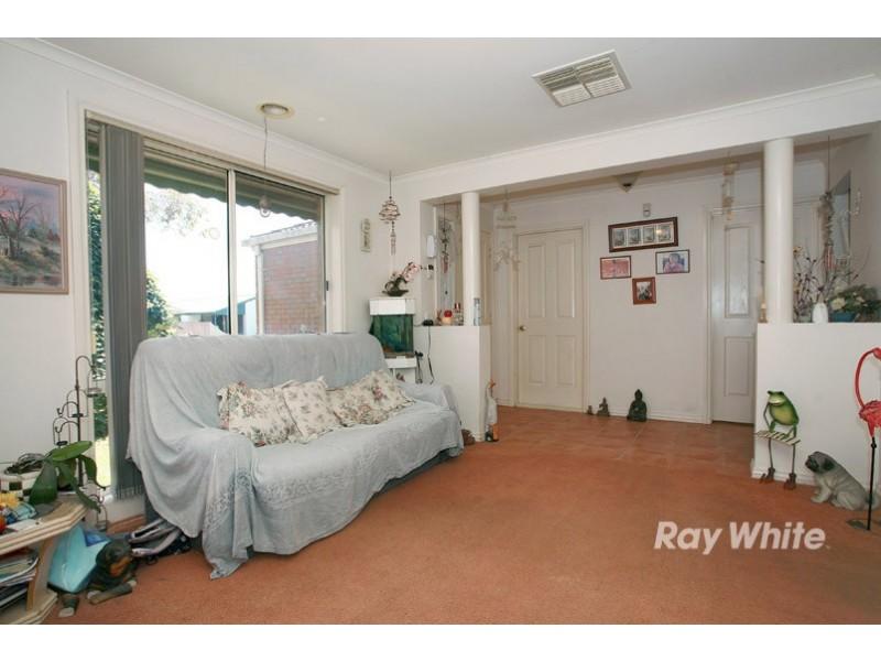 42 Raisell Road, Cranbourne West VIC 3977
