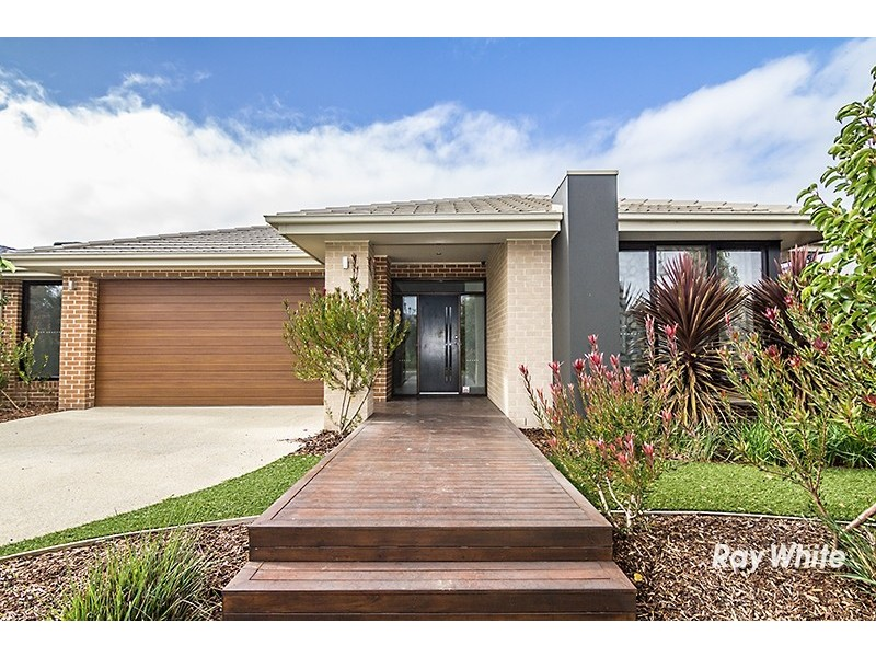 27 John Russell Road, Cranbourne West VIC 3977