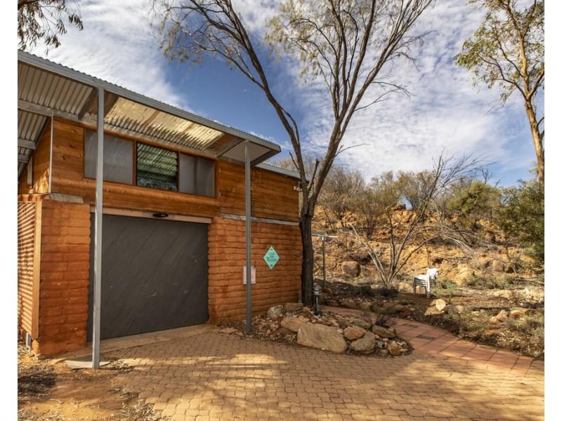 2 Range Crescent, Desert Springs NT 0870