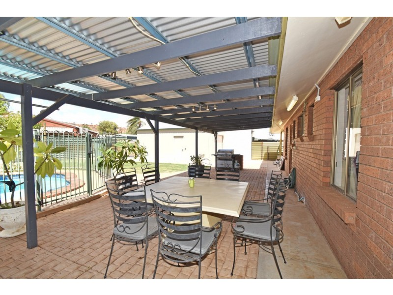 4 Weaving Court, Araluen NT 0870