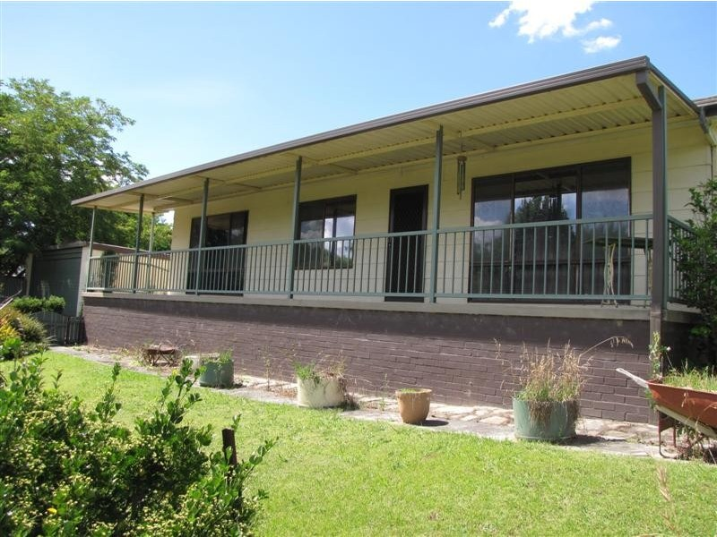 2 Victoria Hill Road, Adelong NSW 2729