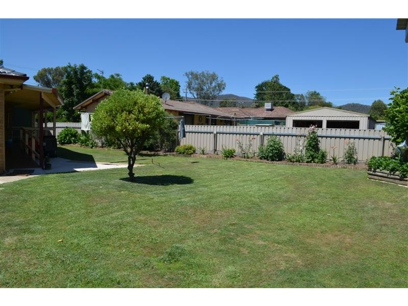 45 Forest Street, Tumut NSW 2720