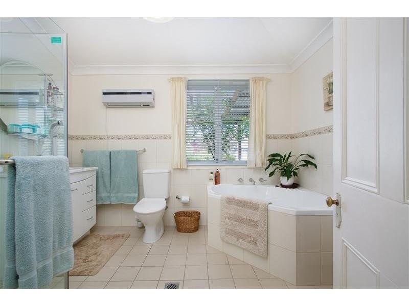 81 Tumut Street, Adelong NSW 2729