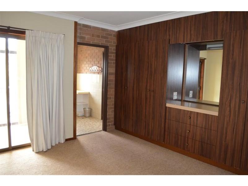62 Russell Street, Tumut NSW 2720