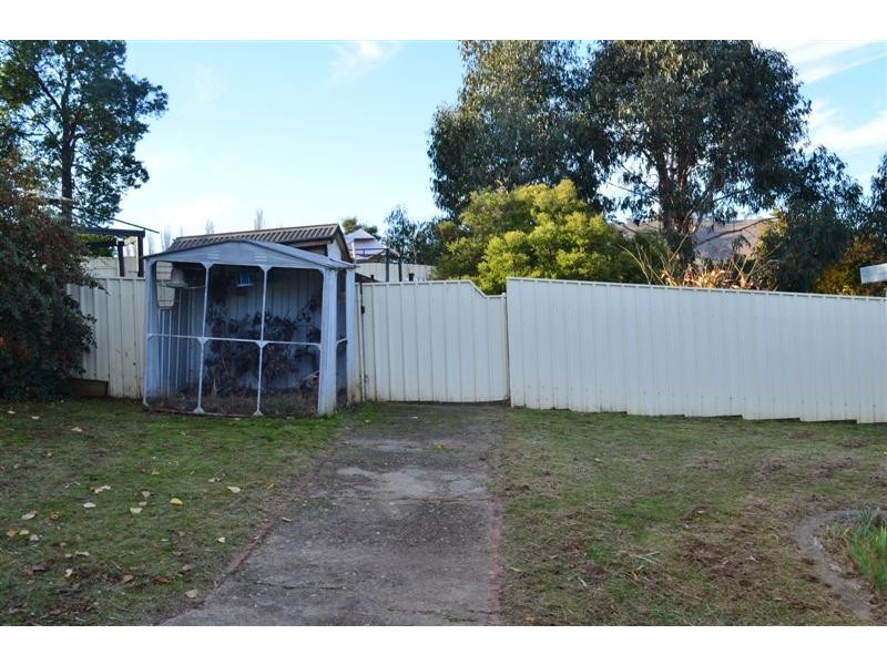 26 Lockhart Street, Adelong NSW 2729