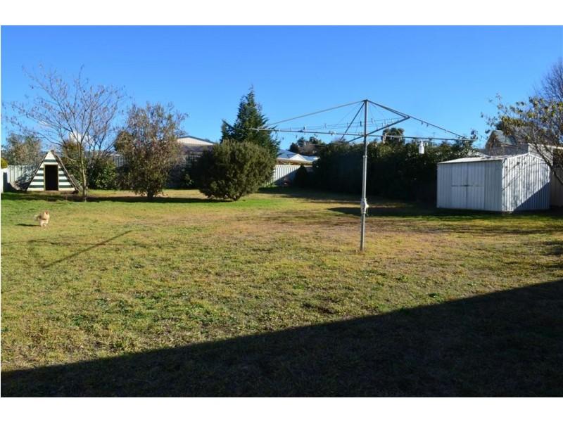 15 Gundagai Street, Adelong NSW 2729