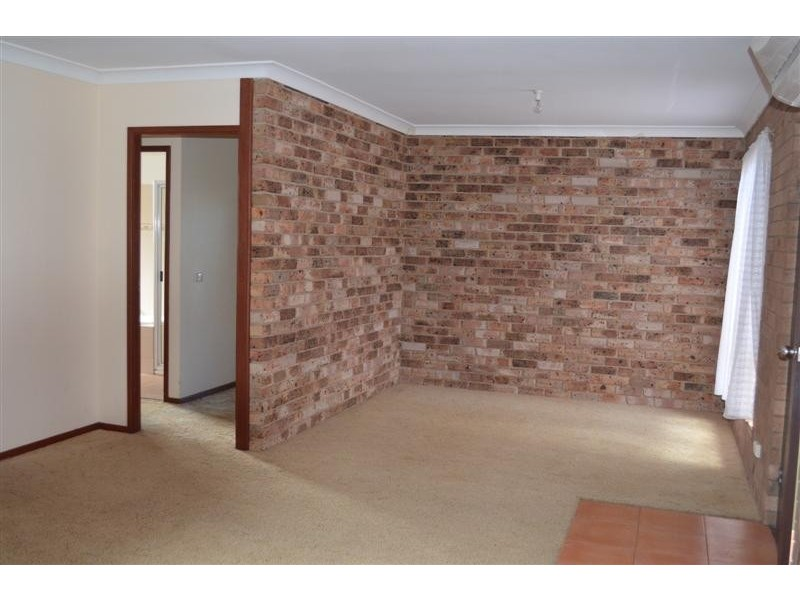 25 Bottlebrush Drive, Tumut NSW 2720