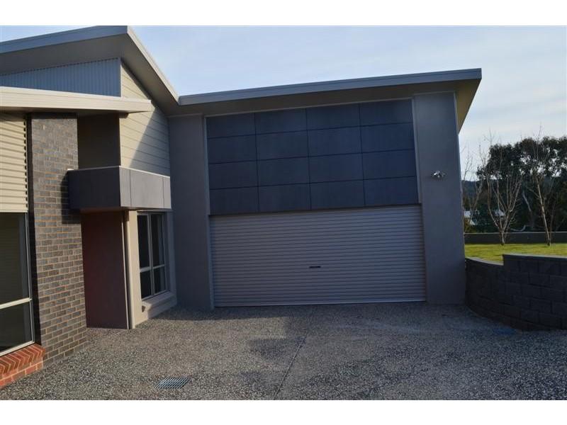 2 Lockeridge Drive, Tumut NSW 2720