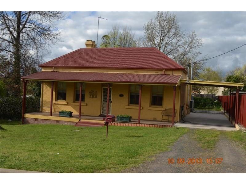 2 Simpson Street, Tumut NSW 2720